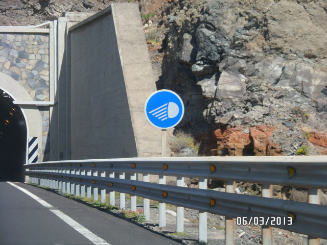 Включи ближний свет при въезде из тоннеля на Тенерифе