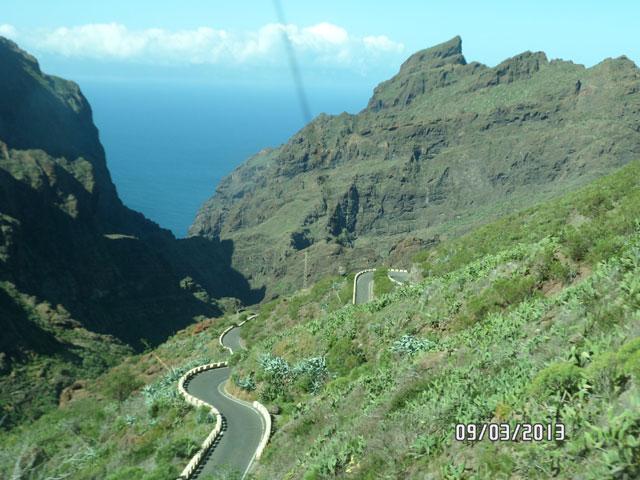 Серпантинистая дорога на Тенерифе