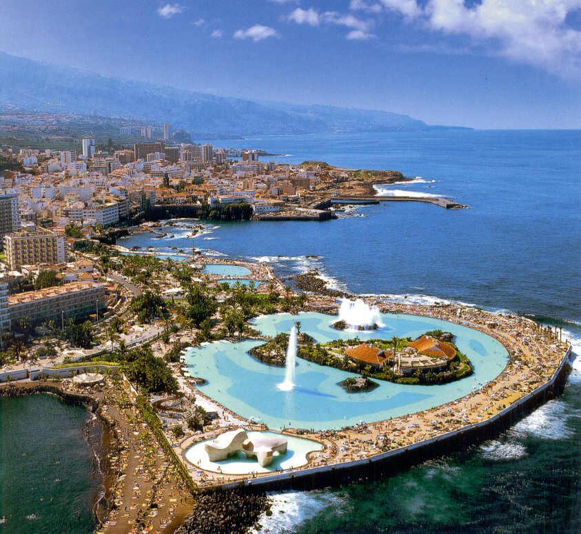 Каскад искуственных бассейнов с акеанической водой Лого Мартинез