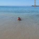 Пологий вход в океан на пляже Лас Витас